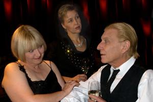 Rosi Goos, Jürg Hummel (Gesang/Schauspiel) und Stefanie Titus (Piano)
